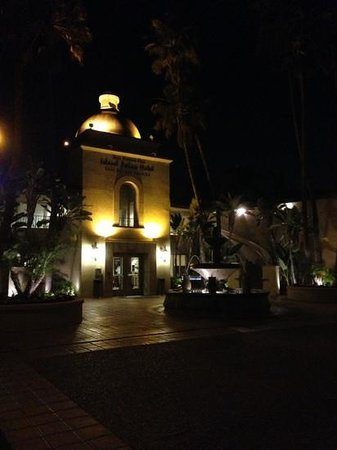 Best Western Plus Island Palms Hotel & Marina: casa del mar at night