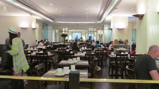 Crowne Plaza Dubai: restaurant