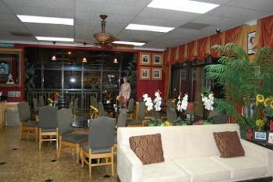 Days Inn Memphis at Graceland: Lobby and Breakfast area