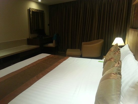Nova Gold Hotel: bed