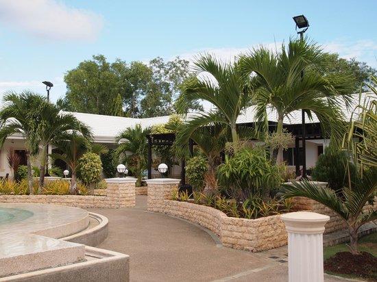 Panglao Regents Park Resort: environs
