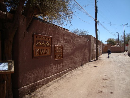 Hotel Kimal: rua do hotel