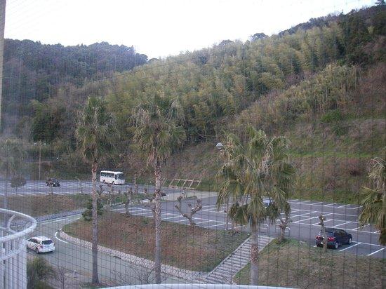Hotel & Resort Sunshine Sazan Seto: 山側窓眺望