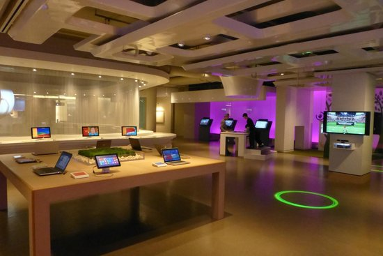 Microsoft Visitor Center: View from inside