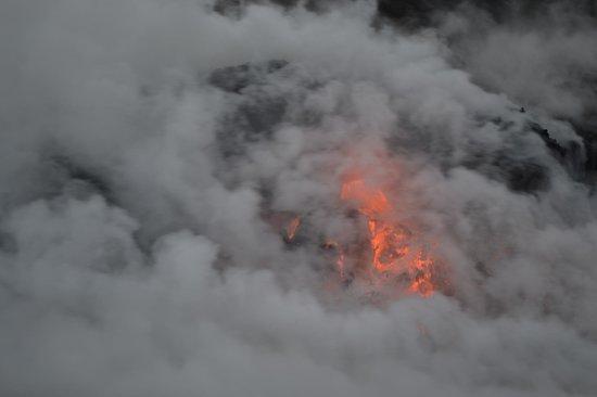 Lava Ocean Tours Inc: Lava flow