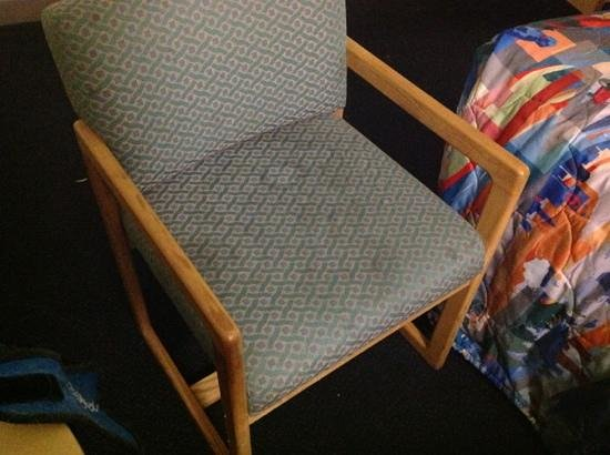 Motel 6 Chandler: horrible stains on the chairs