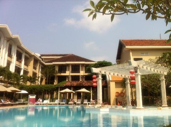 Hoi An Historic Hotel: lovely big pool