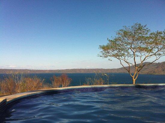 Apoyo Resort: Vista desde la piscina!