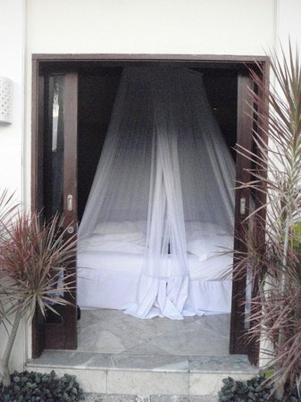 RC Villas & Spa: one of the bedrooms - King size bed with full mossie net
