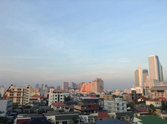 Sitara Place Serviced Apartments: City Skyline view from Sitara Place different angle