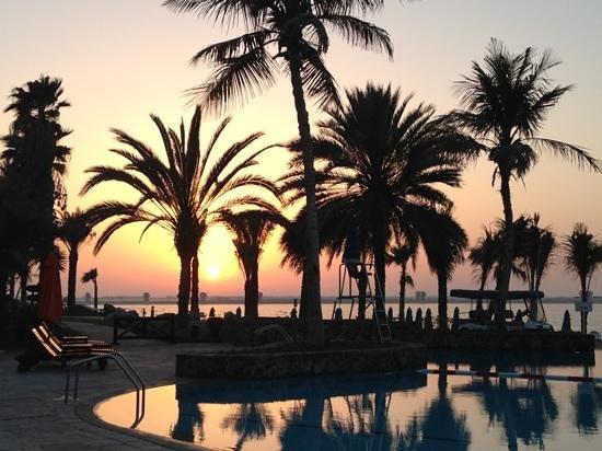 JA Jebel Ali Beach Hotel: sunset at Jebel Ali Beach