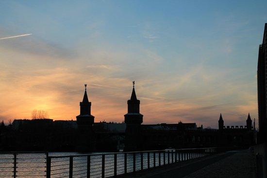 nhow Berlin: Oberbaumbrücke