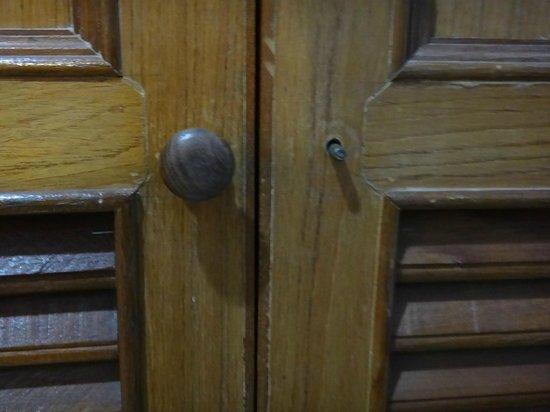 PK Mansion: closet broken