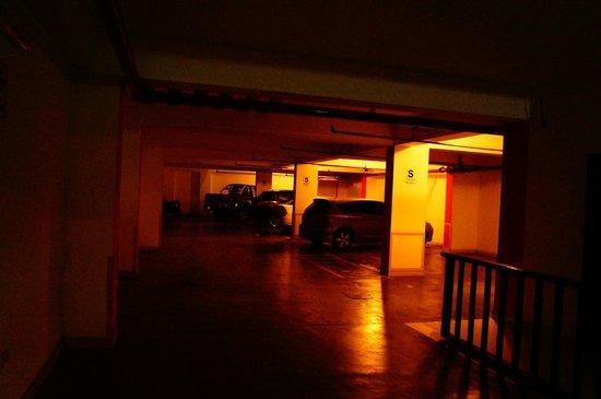 Elixer Hotel: Amplios estacionamientos con seguridad
