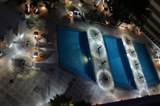 Kimpton EPIC Hotel: Pool on the roof