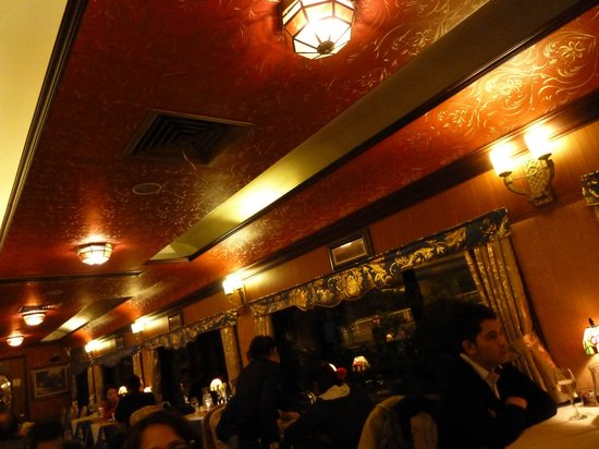 Orient Express French restaurant : carriage ceiling