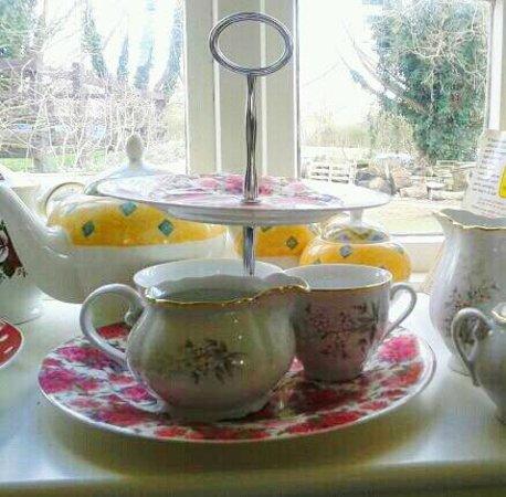 Annie's Tea Room: Window Display in Annies Tearoom