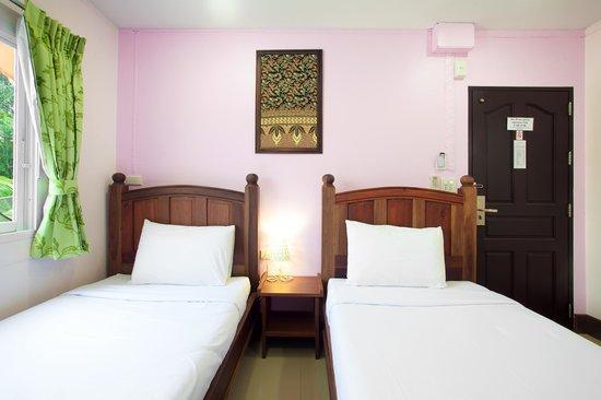 Baan Sutra Guesthouse : Standard Twin Room