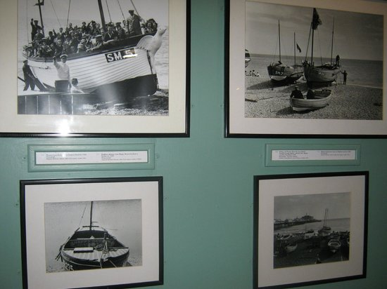 Fishing Museum: Display of old photos