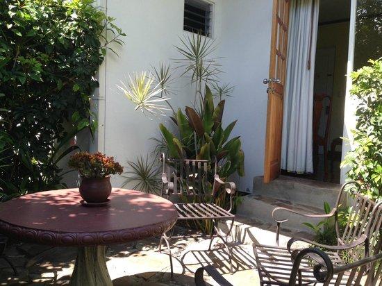 Hotel Le Bergerac Boutique: Jardín de la habitación