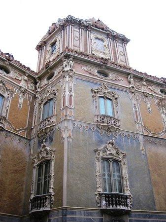 Palacio del Marqués de Dos Aguas: DETALLE EXTERIOR.