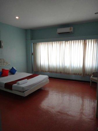 S2S Queen Trang Hotel : main bedroom