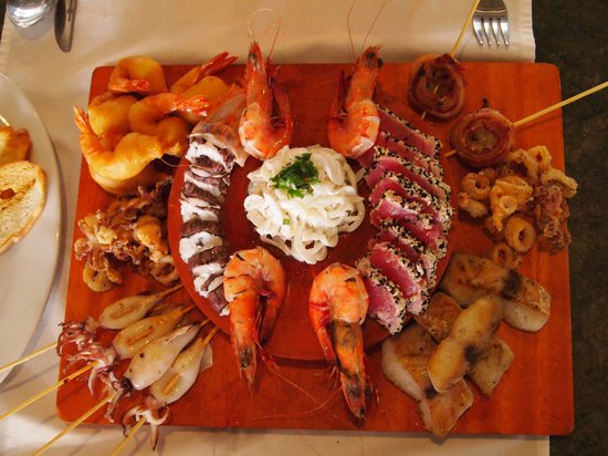 Outback Bar & Bistro: Seafood Patter for 2