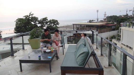 FuramaXclusive Ocean Beach: Balcony