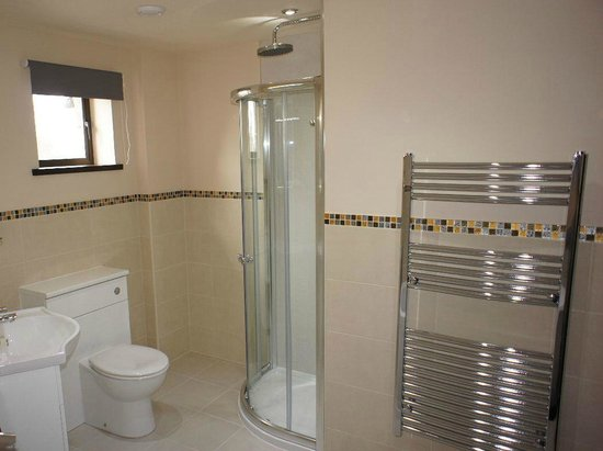 Walk-in shower next to 'Cadboll' room