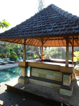 Sri Ratih Cottages: swimming pool