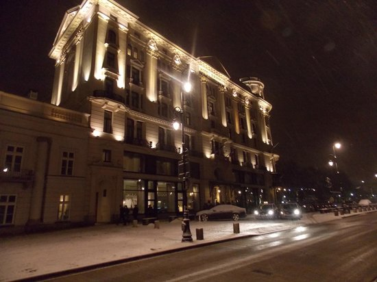 Hotel Bristol, a Luxury Collection Hotel, Warsaw : Hotel at night