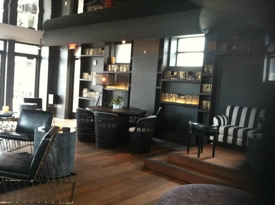 Kimpton Hotel Monaco Philadelphia: Vapor Room Rooftop Lounge