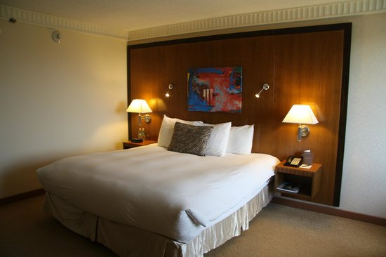 PULLMAN Miami Airport hotel: Comfortable Bed