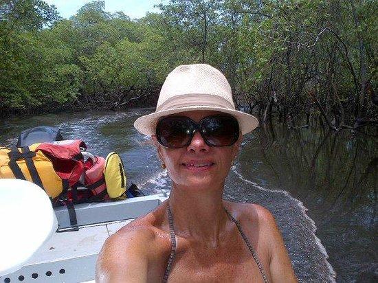 Hotel Transamerica Ilha de Comandatuba: Passeio pelo manguezal - Indo em busca da lama negra.