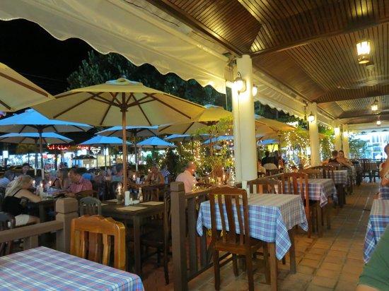 Viking Steak House: Restaurant