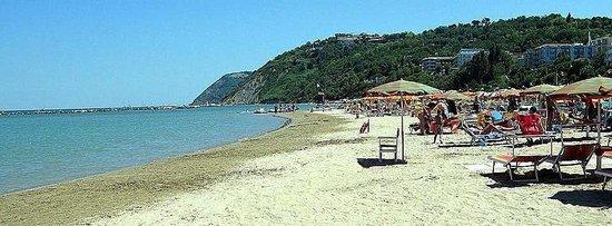 Gabicce Mare, Italia: Sulla battigia dei Bagni 23