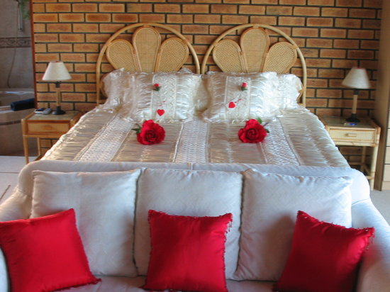 Lewens-Essens B&B: Honeymoon Suite
