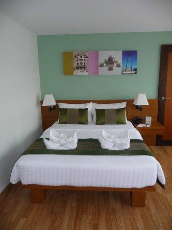 Nouvo City Hotel: Chambre