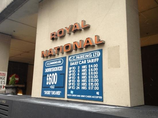 Royal National Hotel: 入口
