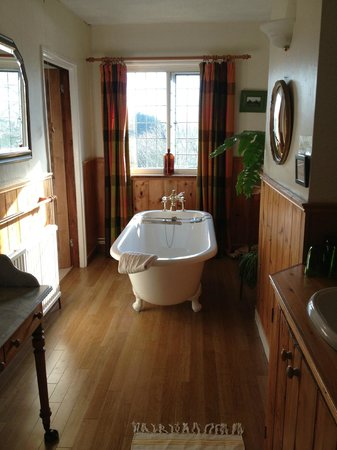 West End House: Bathroom