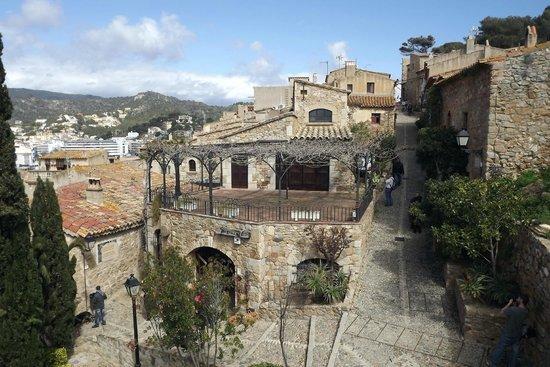 La playa - Picture of Vila Vella (Old Town), Tossa de Mar ...