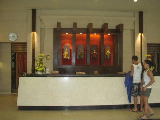 Deevana Patong Resort & Spa : Hall : réception