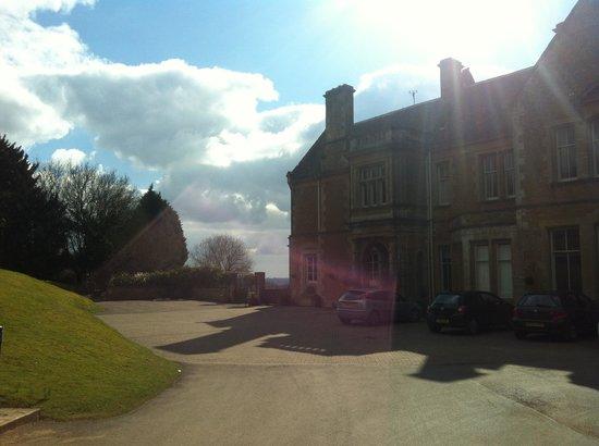 Wyck Hill House Hotel & Spa: Hotel Exterior & Main Entrance