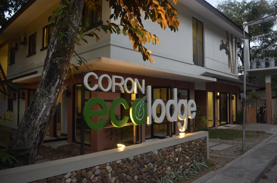 Coron Village Lodge: front view of hotel
