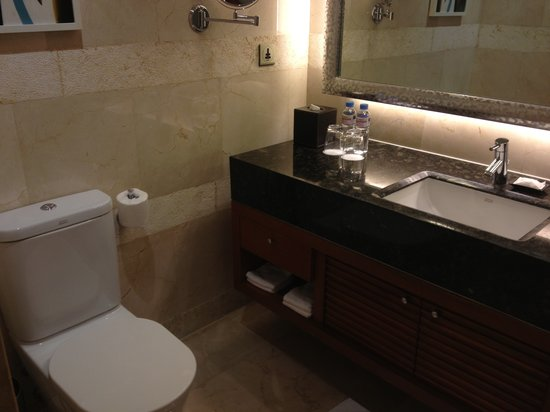 Manila Marriott Hotel: bathroom