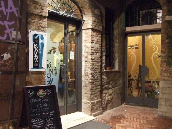 Kundera Caffe Bistrot : Ingresso