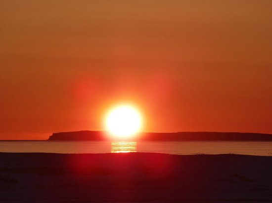 Cabot Shores Wilderness Resort and Retreat: Sunrise Over Bird Island