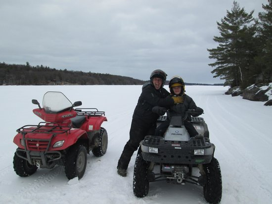 Springwood Cottages: ATV on the lake  with Cesar