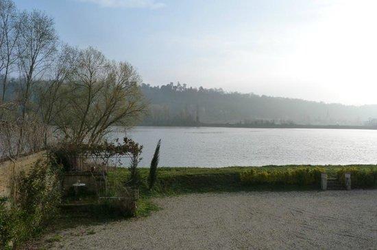 Chateau de Montigny-Rabey: la vue depuis la chambre