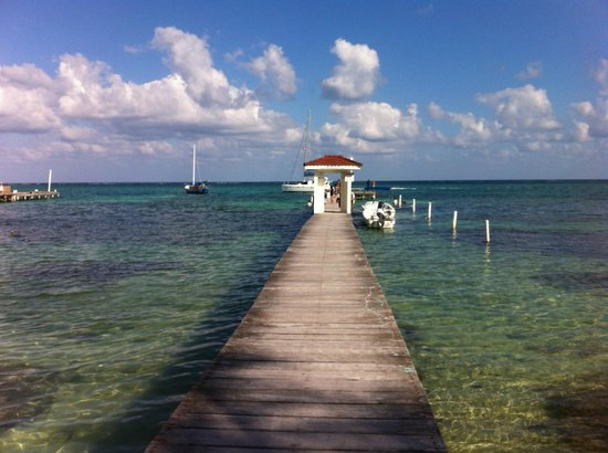 Belize Tradewinds Paradise Villas: The pier